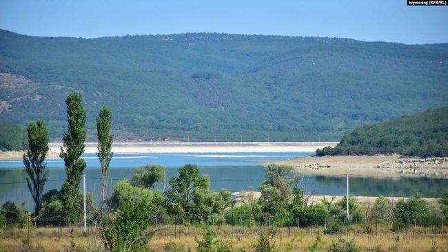 У Севастополі стрімко обміліло Чорноріченське водосховище, окупанти шукають воду 02