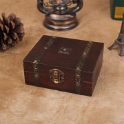 Vintage Wooden Storage Box Ornaments Treasure Chest Jewelry Box Storage Holder Sundries Container Home Decoration Boxes Gifts