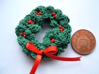 miniature crochet wreath