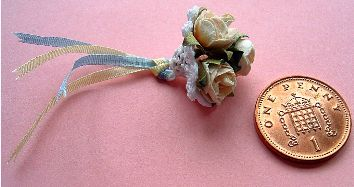 Pattern for miniature bridal posy holder