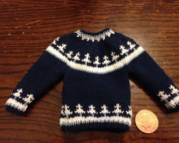 Knitted dolls jumper