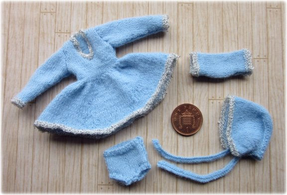 miniature knitted clothes