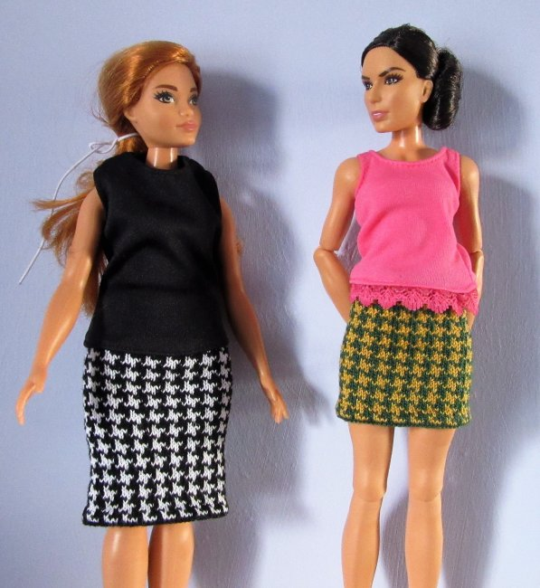 miniature knitted skirts