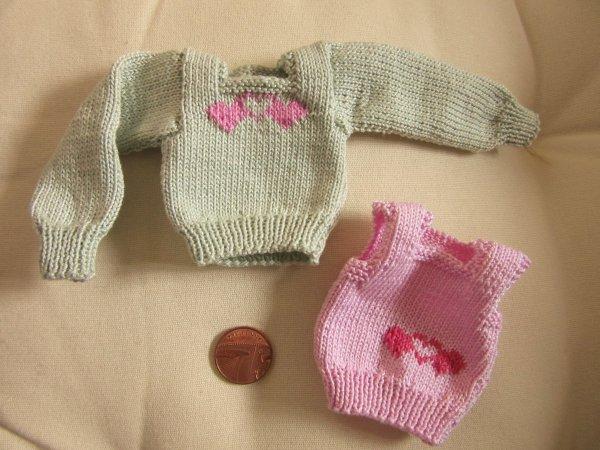 Miniature Valentine jumpers