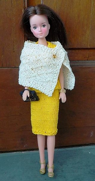 dolls knitted wrap