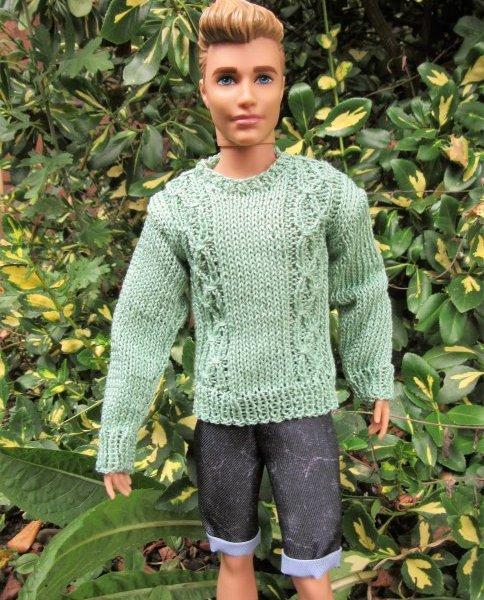 Miniature knitted jumper