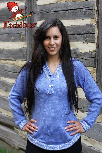 Light Blue Sweater Chandail Bleu Pâle 1