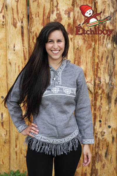 Hooded Grey Sweater With Red River Cart Chandail Gris Avec Capuchon Avec Charrette 1