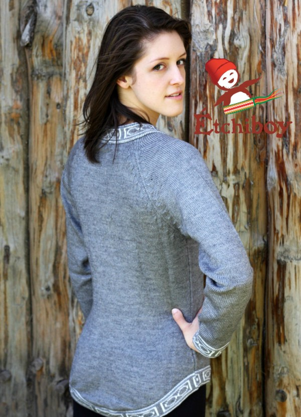 Grey Sweater Chandail Gris 3
