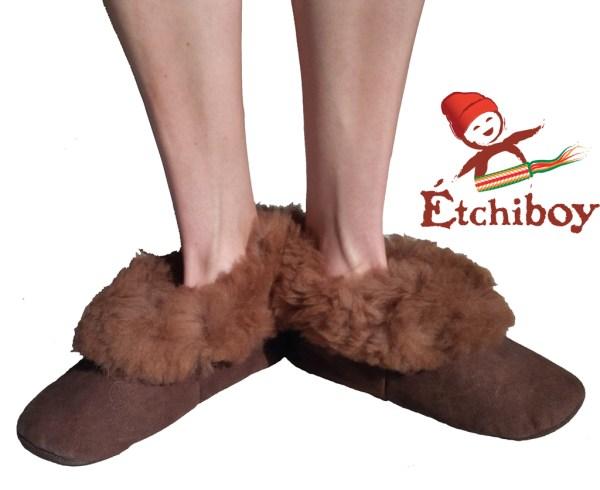 Brown Trim Adult Slippers Pantoufles Bordure Brune Pour Adultes 3