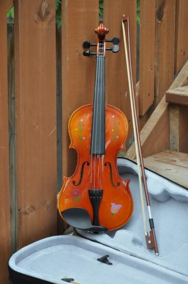 Fiddle With Metis Beadwork Design Violon Avec Dessin de Perlage Metis - Pattern/Modèle -11 1