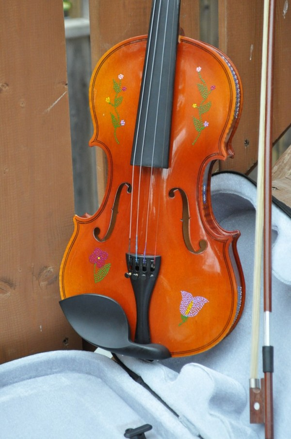 Fiddle With Metis Beadwork Design Violon Avec Dessin de Perlage Metis - Pattern/Modèle -11 2