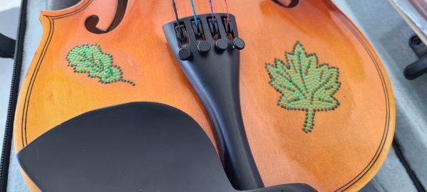 Fiddle With Metis Beadwork Design Violon Avec Dessin de Perlage Metis - Pattern/Modèle -16 1