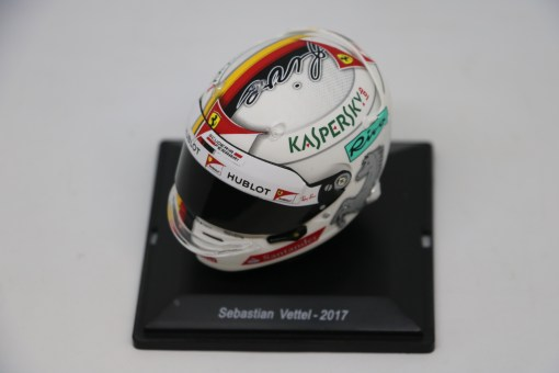 Spark 15 Mini Helmet Sebastian Vettel Ferrari 2017 Die Cast