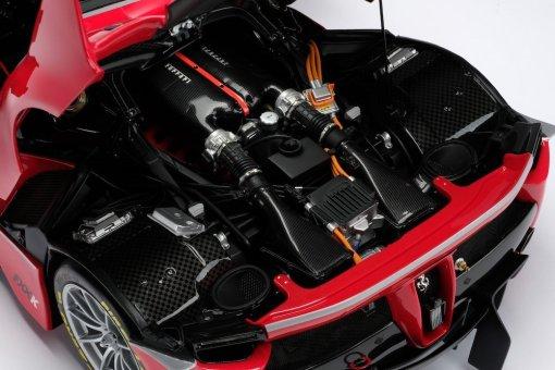 Modellino Auto Amalgam 18 Ferrari FXXK Rosso Limited Ed 199 pcs. dettaglio motore