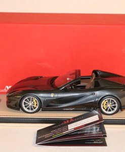 Mr Collection Models 118 Ferrari 812 GTS Grigio Limited Ed. 4 pcs laterale