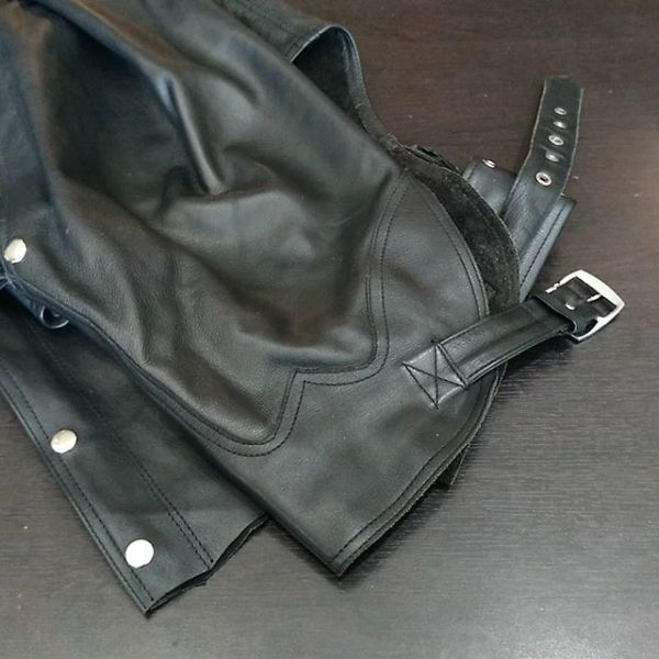 """UNBRANDED Leather Western CHAPS ( Thigh Circumf. Size 29"""" )"""