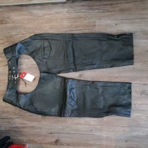 """MOB Leather Riding CHAPS ( Thigh Circumf. Size 24"""" )"""