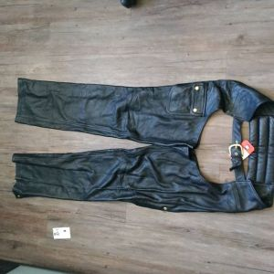 "CUSTOM Leather Classic + CHAPS ( Thigh Circumf. Size 24"" )"