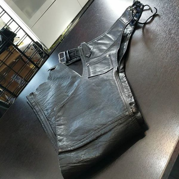 """LEATHER KING Leather Riding CHAPS ( Thigh Circumf. Size 18"""" YOUTH XL )"""