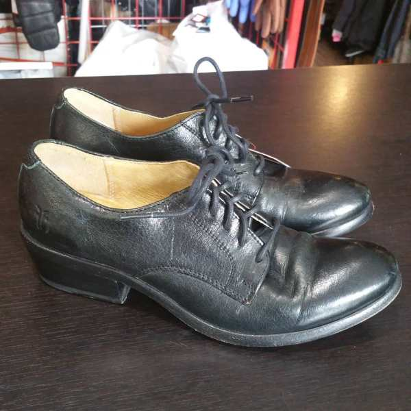 FRYE Leather Carson Oxford Shoes ( Size Euro 37 / menÕs 5 / womenÕs 6.5 )
