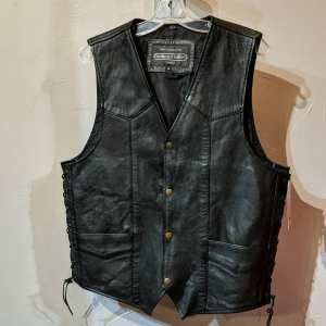BOUTIQUE OF LEATHERS Leather Gambler VEST | 25374