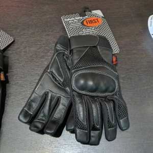 First Mfg AXIS Mixed Material GLOVES | R1404
