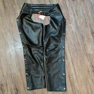 THE ORIGINAL LEATHER FACTORY Classic Leather CHAPS | 26623