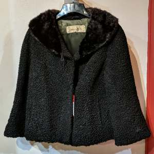 SWEARS AND WELLS Cape Coat Mixed Material JACKET | 27209