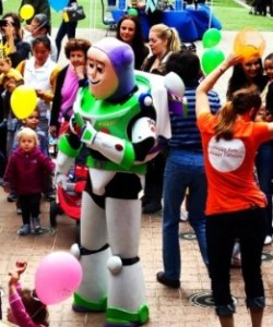 Mommy & Me with Buzz Lightyear, Congressional Plaza