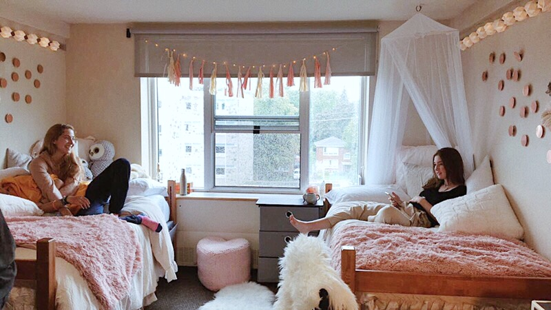 dorm room decor with these designer tips