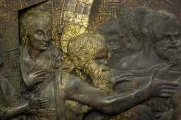 Fig. 8 Scena della Discesa di Cristo al Limbo. Particolare dopo il restauro: riscoperta della doratura a foglia. (Foto © OPD)