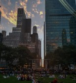 """As you like it"" a Bryant Park"