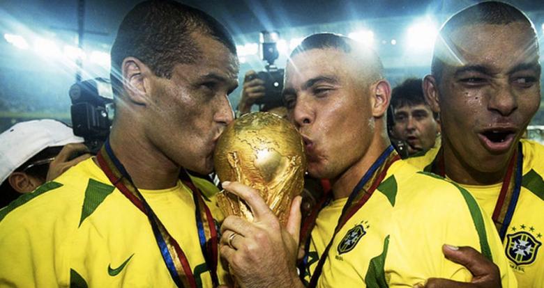 """Brasile """"pentacampeao"""" nel 2002"""