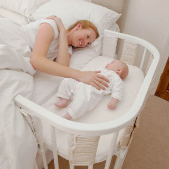 co sleeping with mom