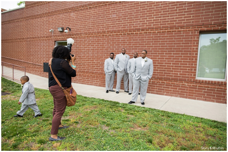behind-the-scenes-with-a-wedding-photographer-and-dj_0705