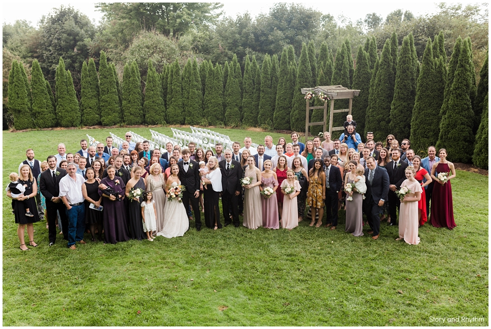 Group photo of all guest at wedding