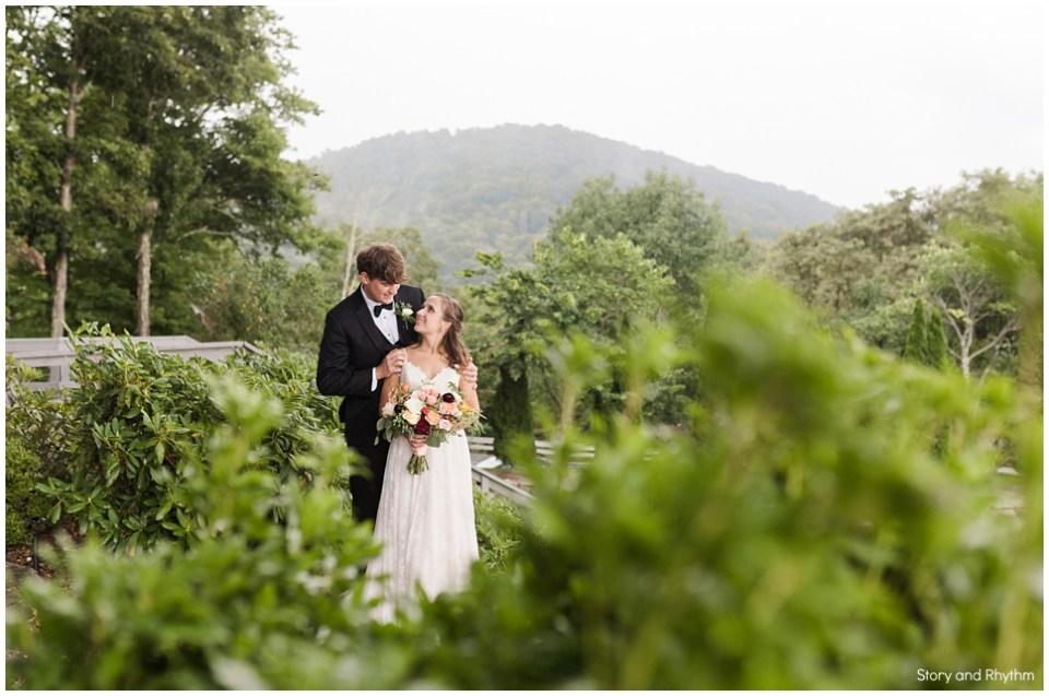 Inn at Crestwood wedding portraits