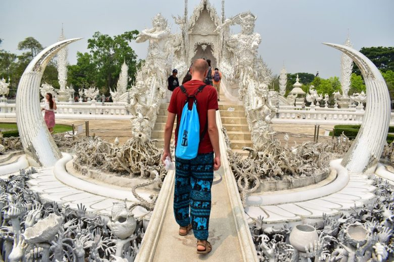 Thailand on a budget: bring appropriate clothing for temples and avoid hire charges