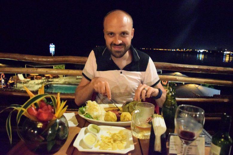 Dining at Al Frio Y Al Fuego, floating river restaurant in Iquitos