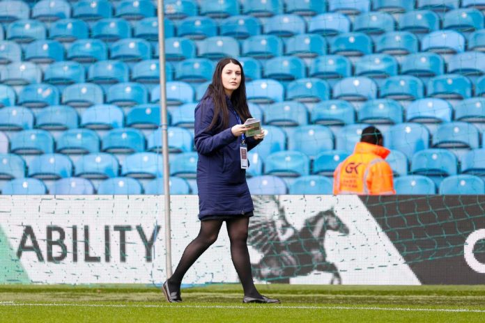 Eleanor Haigh pitch side