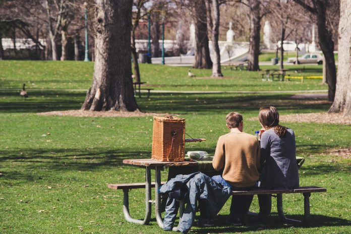 A shared bench picnic