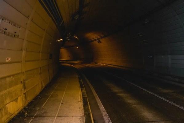 繰り返しトンネル