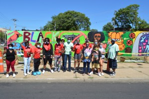 Stitchers Youth Council with Katherine Bernhardt create the MLK Mural