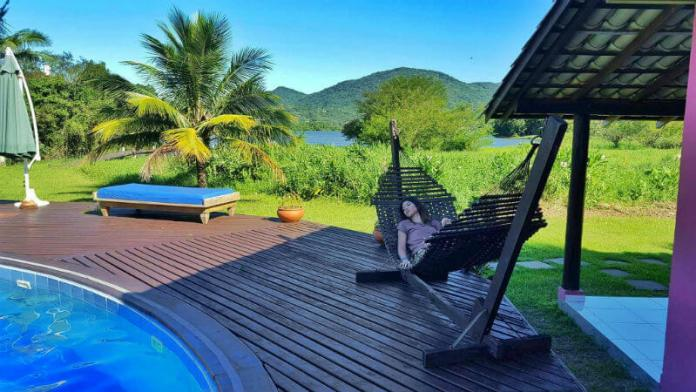 Hammock at Hotel Saint Germain, Florianópolis - Are you looking for an affordable yet relaxing hotel in Florianópolis, Brazil? Check out our Florianópolis hotel review of Hotel Saint Germain, located on the lake in Lagoa da Conceicão!
