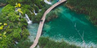 Planning a trip to Croatia and looking for inspiration & advice? In this interview, 2 female travelers share their top Croatia travel tips after visiting.