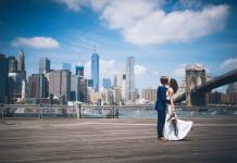 Dumbo Pier in Brooklyn overlooking Manhattan skyline - New York travel tips