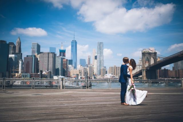 Dumbo Pier in Brooklyn overlooking Manhattan skyline - New York travel tips