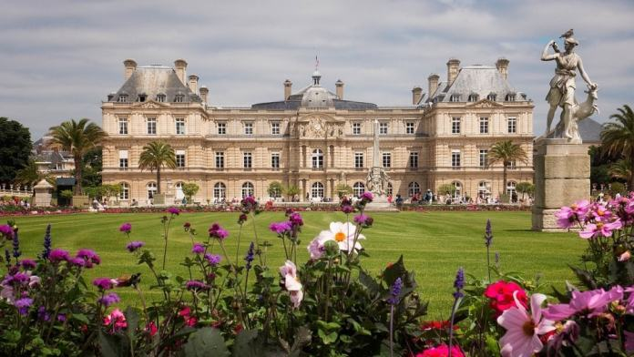 Luxembourg Palace - Paris travel tips