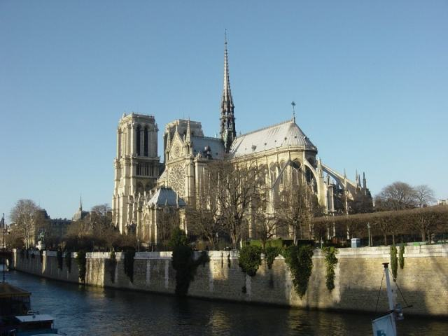Notre Damme - Paris travel tips